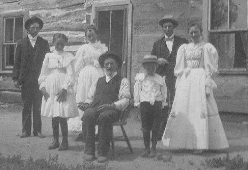 Andrew Peterson family, circa 1899