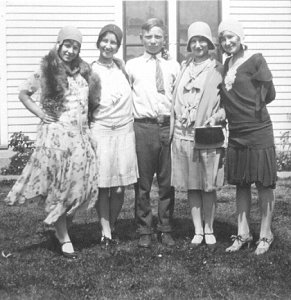 Gladys, Hazel, Walter, Alice, and Ethel Lundgren, 1929