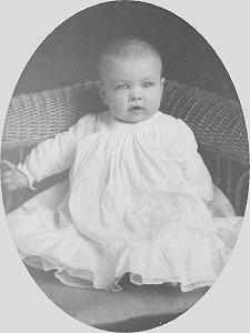 Kenneth Everett Zetterberg, aged 8 months