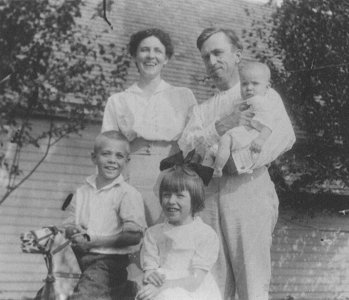 Will and Cora Zetterberg with Kenneth, Lois, and Helen